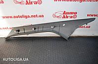 Накладка передней правой стойки верхняя VOLKSWAGEN Crafter 06-16