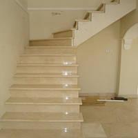 Лестница из натурального камня Crema Marfil (Ступень) 20 мм
