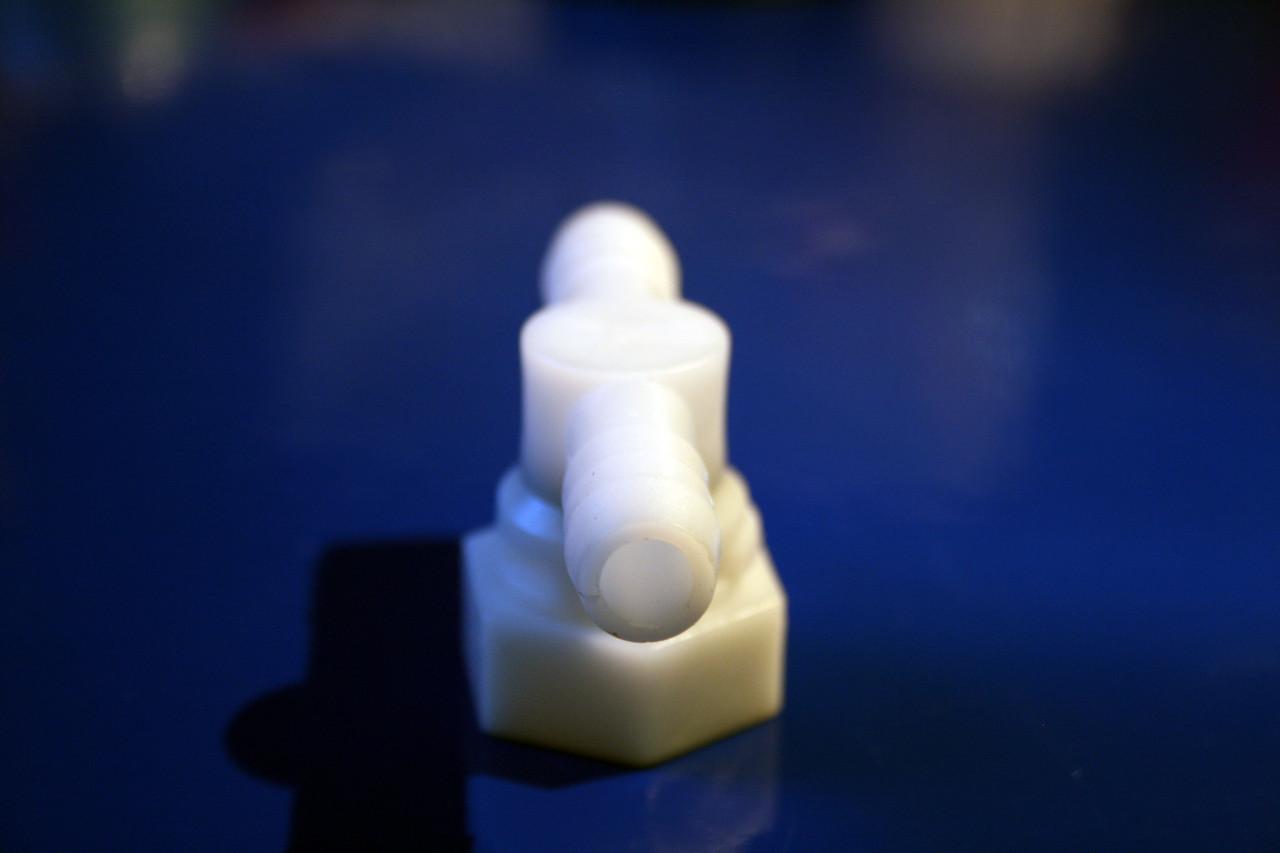 Уголок пластиковый поворотный ( Y-02 )