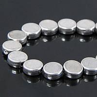 Бусины Металлические круглые плоские, Цвет: Античное Серебро, Размер: 7х3мм, Отв-тие 1мм, около 30шт/нить, (УТ100006868)