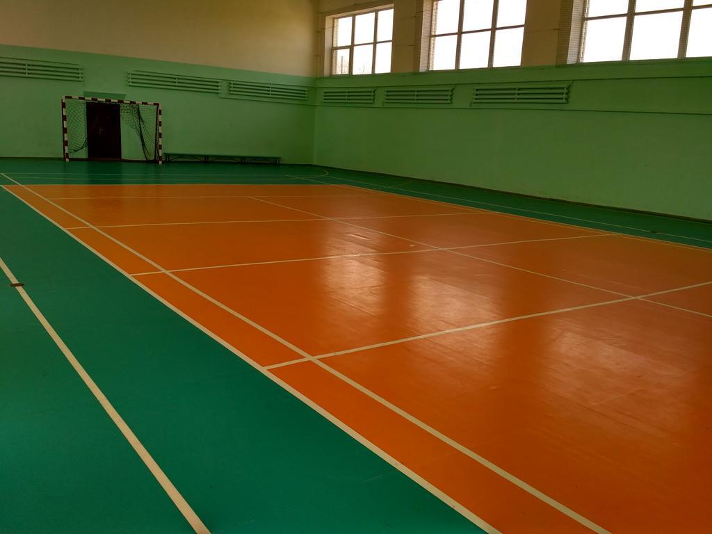 Спортивный  игровой зал  с ПВХ покрытием -1