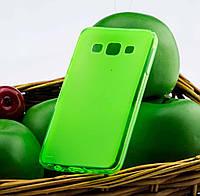 Чехол для Samsung Galaxy A3 (A300) силиконовый бампер зеленый / прозрачный