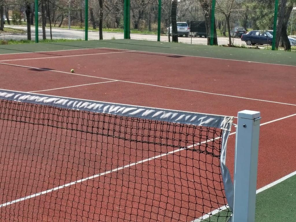 Наливные резино-полиуретановые покрытия для спортивных площадок