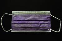 Маска трехслойная лиловая на резинке