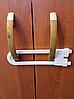 """Блокиратор """"петля"""" для створчатых дверей"""