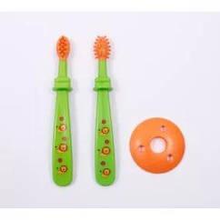 Щітка для зубів в футлярі від 0 міс.