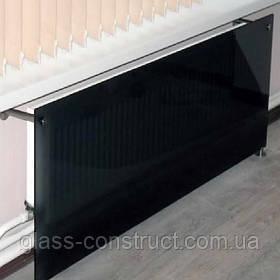 Экран на радиатор из стекла серый