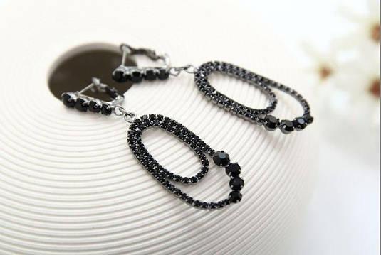 Серьги Черное искушение эллиптические кристалл черный сережки Шарм Шик