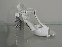 Стильные женские босоножки на не высоком каблуке, фото 1