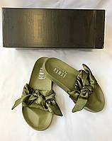 Женские сланцы Puma by Rianna Fenty Bow Slide Olive зеленые