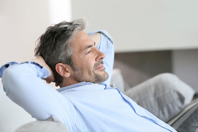 Znalezione obrazy dla zapytania уход за волосами мужчина