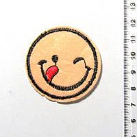 Термо-нашивка - Смайлик (диаметр 4,5 см) 1106-07