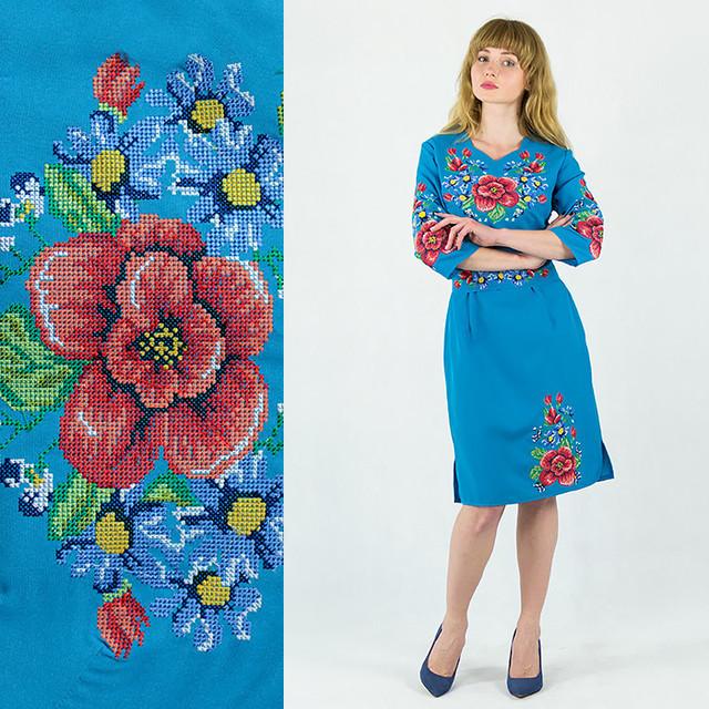 Вышитое платье Мальвы с васильками голубого цвета