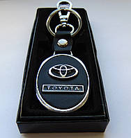 Автомобильный брелок Toyota