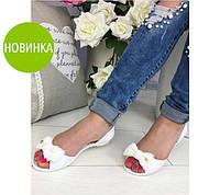 Красивые женские сандалии мыльницы на низком ходу в расцветках