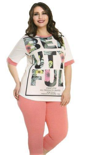 Женская футболка и бриджи для лета