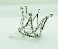 Серебряная небольшая корона в стразах на гребешке 47