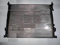 Радиатор водяной охлаждения Opel Vivaro,Renault Trafic 1.9DCI 470x561x23 (производство NRF)