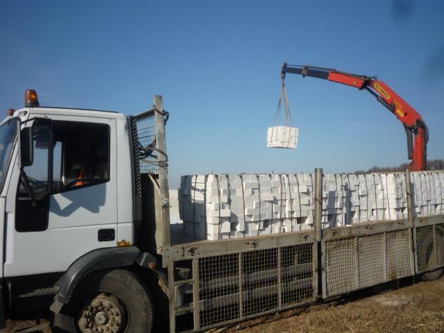 Перевозка кирпича манипуляторами 15 тонн