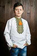 Красивая детская рубашка с вышивкой  на груди и на манжетах