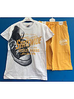 Стильный летний  костюм для мальчика с желтыми шортами 134-140