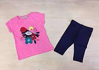 Костюм для девочки с вышивкой птиц на ветви - розовая футболка и синие бриджи