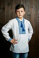 Подростковая  вышиванка на мальчика с рубашечным воротником