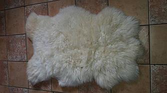 Вычиненая  овечья шкура белая с длинным ворсом