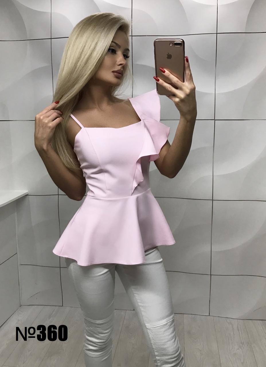Блуза с воланом розовая