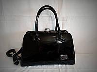 Женская лаковая сумка Guecca черного цвета