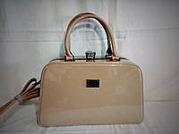 Женская лаковая сумка Guecca цвета хаки