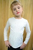 Кофточка детская белого цвета с кружевом и камешками. Нежность 2