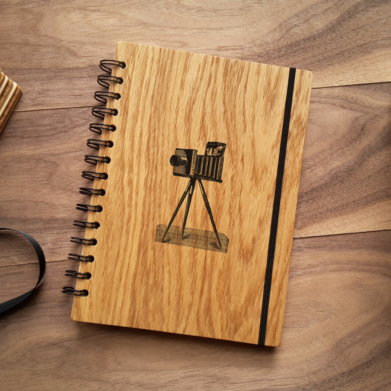 "Деревянный блокнот ""Ретро камера"" А5 (бумага 148х210 мм)"
