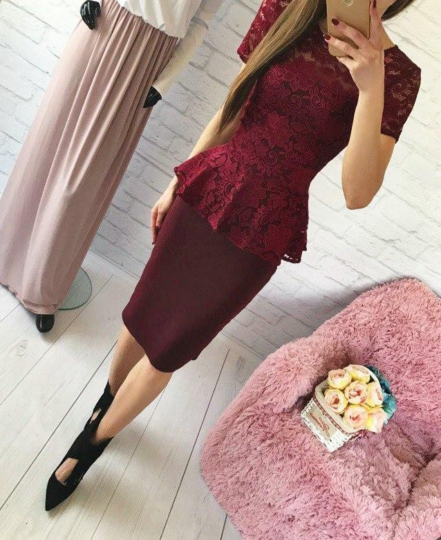 Женский костюм: кофта-баска с набивного гипюра бордо + юбка миди кукуруза бордо