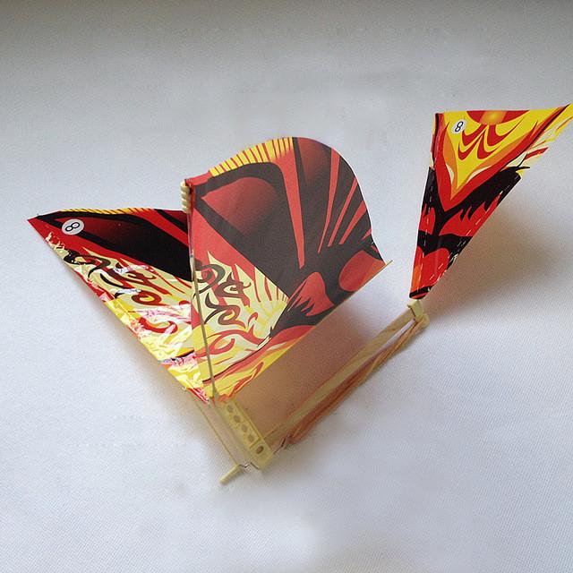 Літаючі птахи - проклеєні (полусобранные),великі орнітоптер