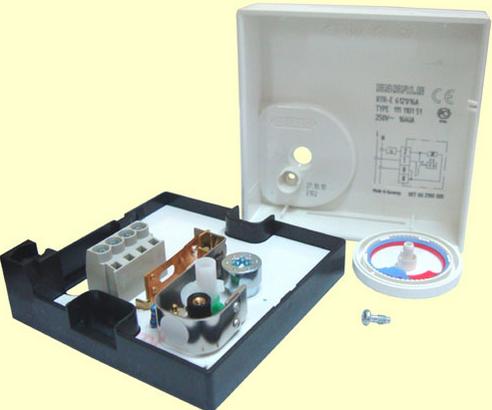 Устройство терморегулятора Eberle RTR–E 6121