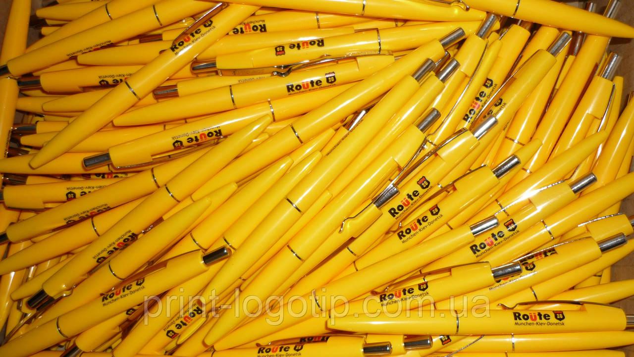 Пластиковые ручки с логотипом, тампопечать на ручке