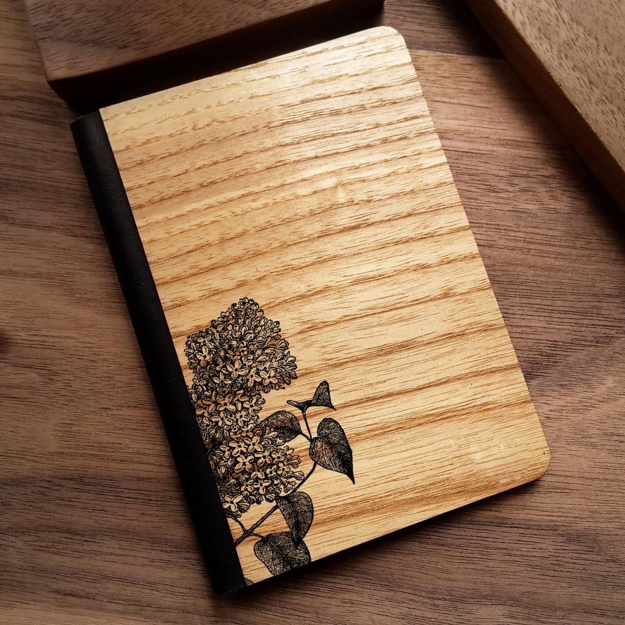 """Деревянная обложка для паспорта """"Сирень"""""""