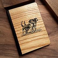 """Деревянная обложка для паспорта """"Два Бигля"""""""