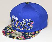 Синяя кепка хип-хоп Kiss с темным цветочным козырьком