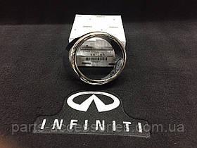 Седан Infiniti G37 2010-13 хромова накладка на бампер на праву туманку противотуманную фару Нова Оригінал