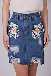 Женская джинсовая юбка с аппликацией