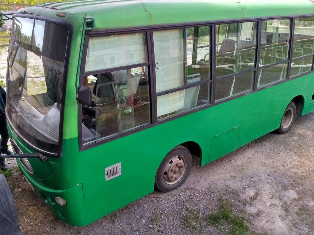 Замена лобового стекла на автобусе YouYi (ЮИ) 6710