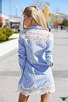 Коротенькое платье в полосочку со вставкой из кружевного гипюра