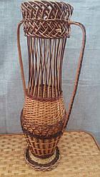 Большая красивая ваза плетеная из лозы