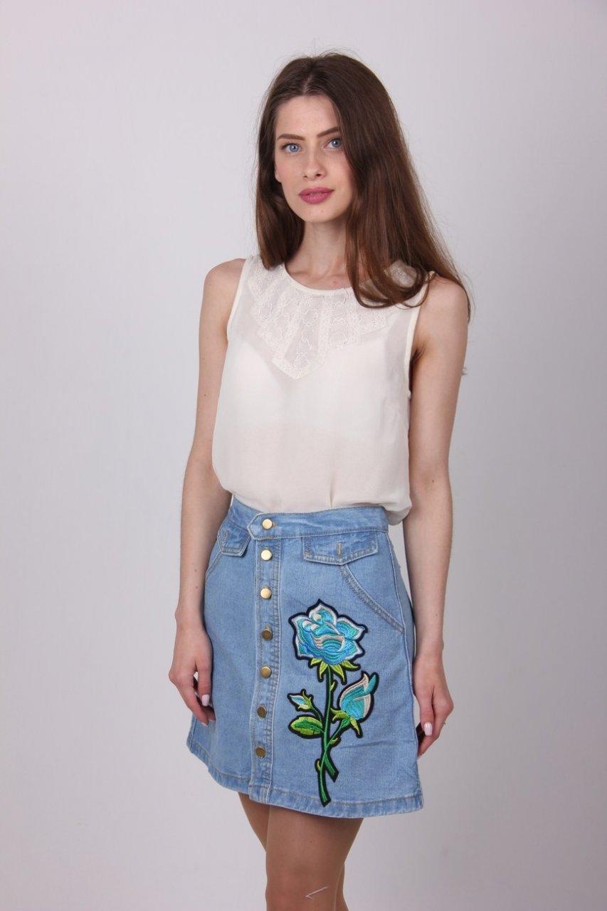 d56ad08d03f Классная женская юбка джинс с вышивкой роза  продажа