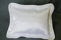 Подушка атласная 35×45 см., кайма белая