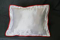 Подушка атласная 35×45 см., кайма красная