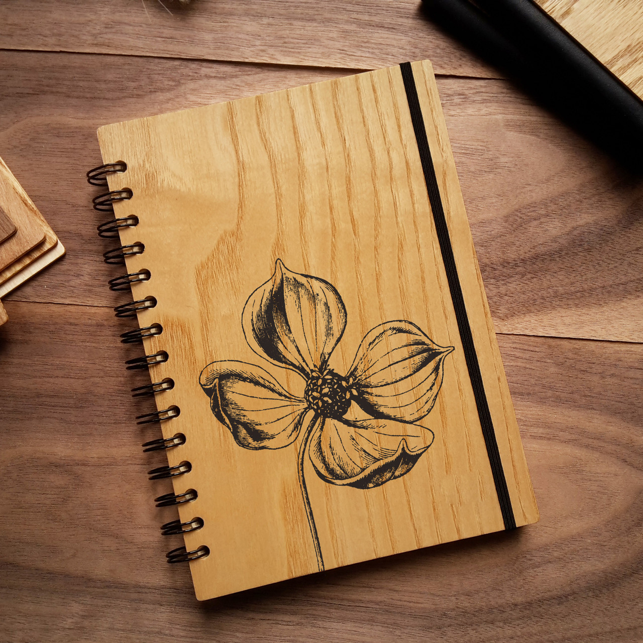 "Деревянный блокнот ""Цветок"" А6 (бумага 105х148 мм)"