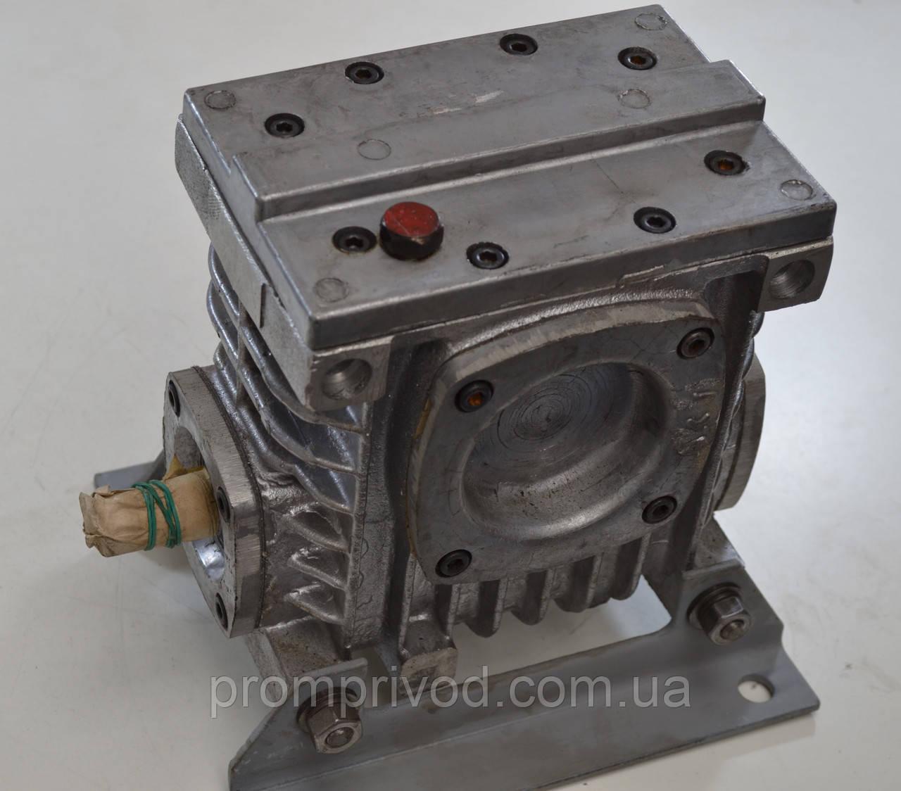 Червячный редуктор 2Ч-40-25